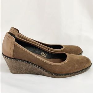 THE FLEXX Brown Suede Wedge Like New